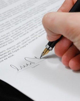 sign-pen-business-document-48148 (2)